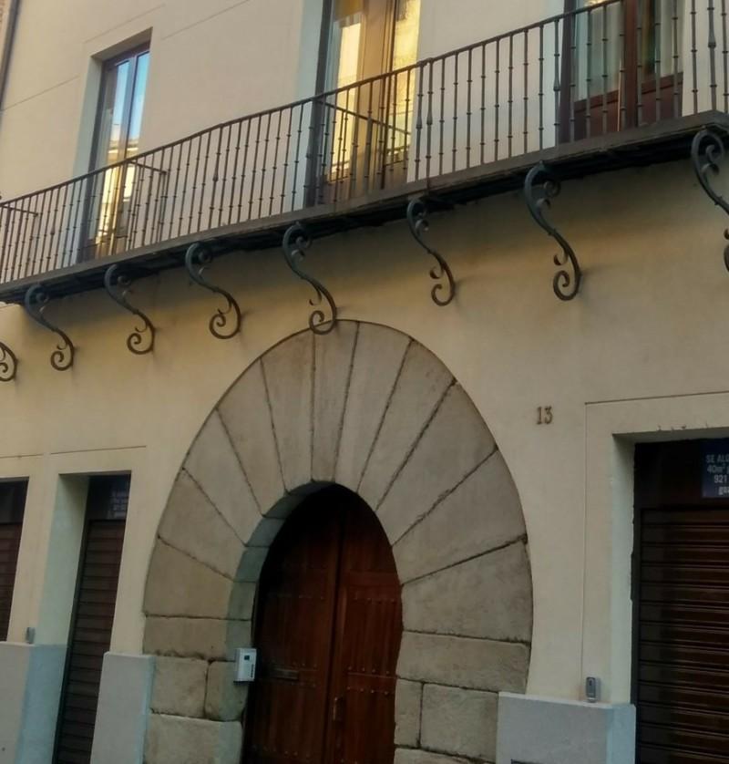 Alquiler de pisos y locales en segovia for Pisos de alquiler en segovia